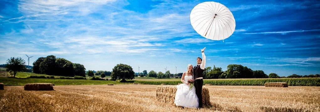 Hochzeitsfotograf begleitet Brautpaar aus Düsseldorf